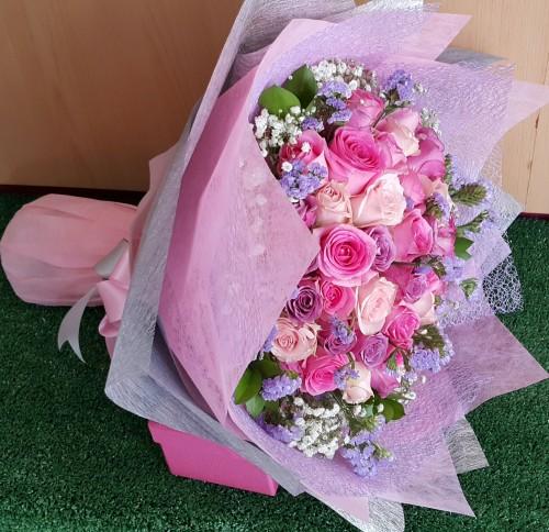 Rangkaian Bunga Tahun Baru Mawar Pink Di Alam Sutera Serpong